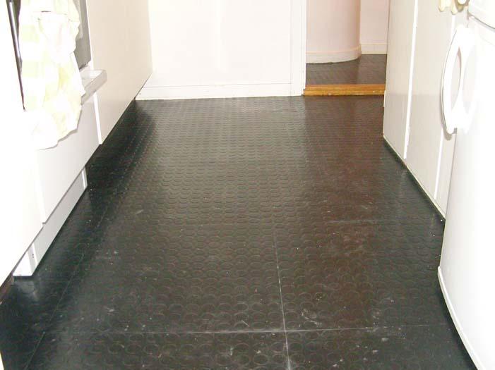Prata Med Rut » Blog Archive » Nya golv i kök och hall