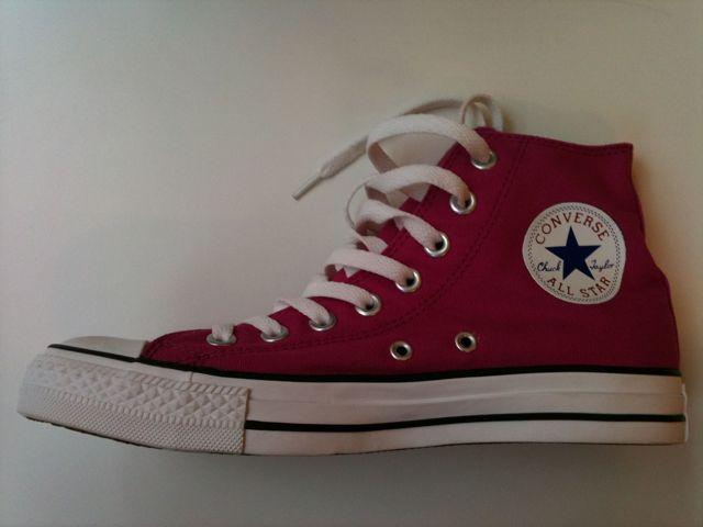 Ett par grymt snygga alldeles rosa Converse...