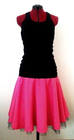 klockad kjol med lös underkjol i tyll